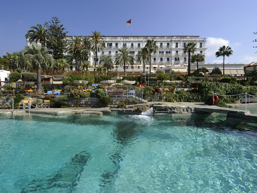 piscina-e-facciata