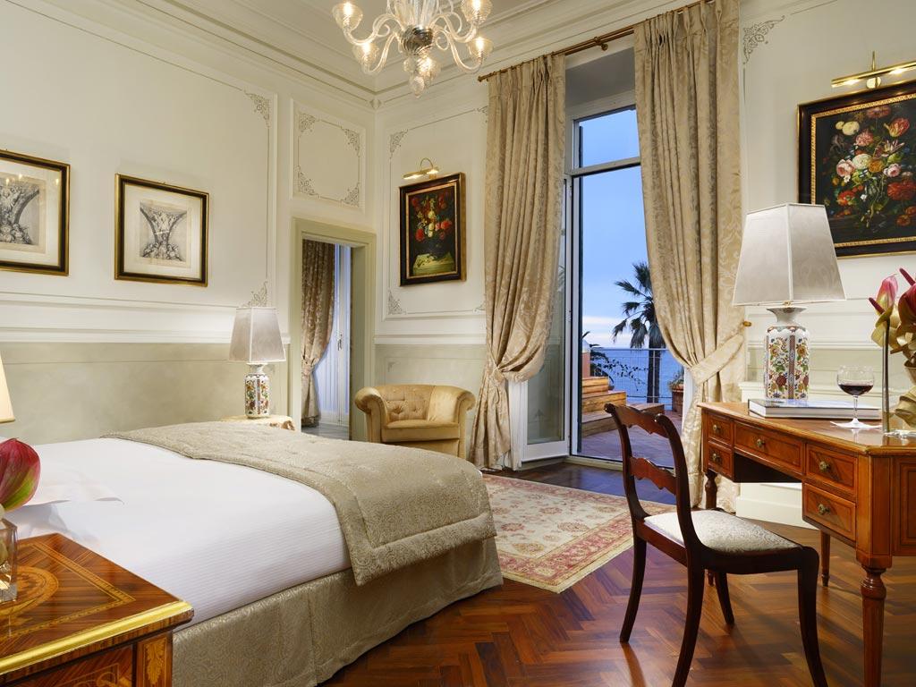 bedroom_sissi