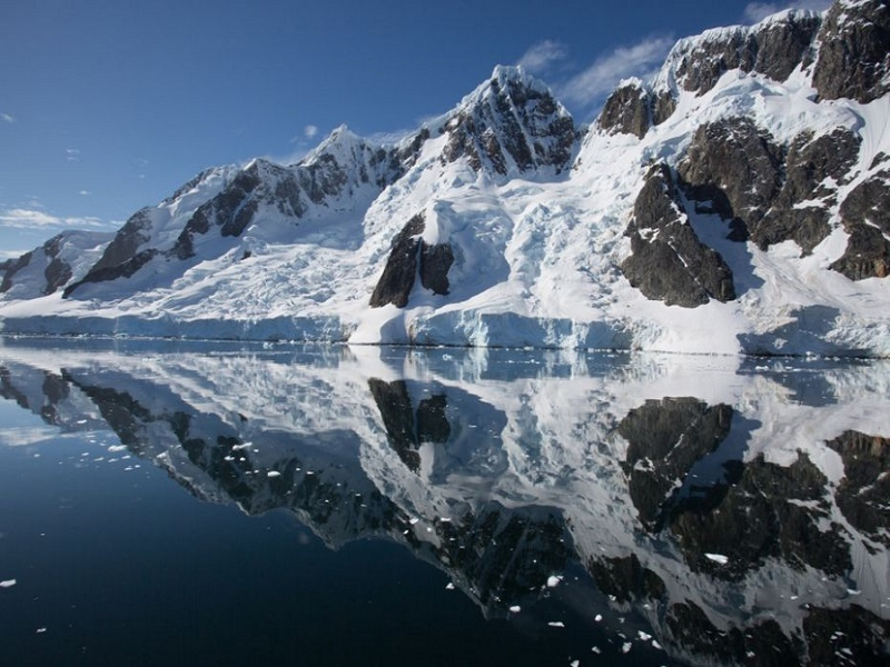 silversea-antarctica-cruise-reflections-of-booth-island-antarctica