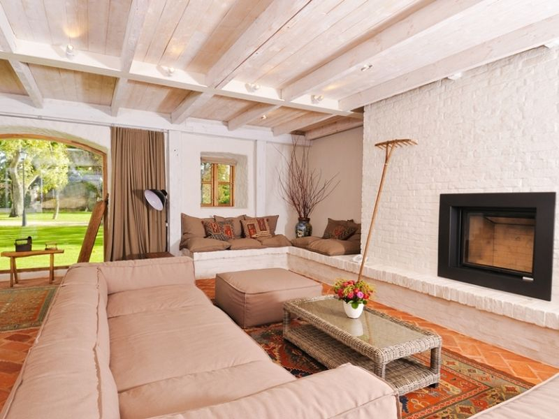 Stable_House_Living_Room