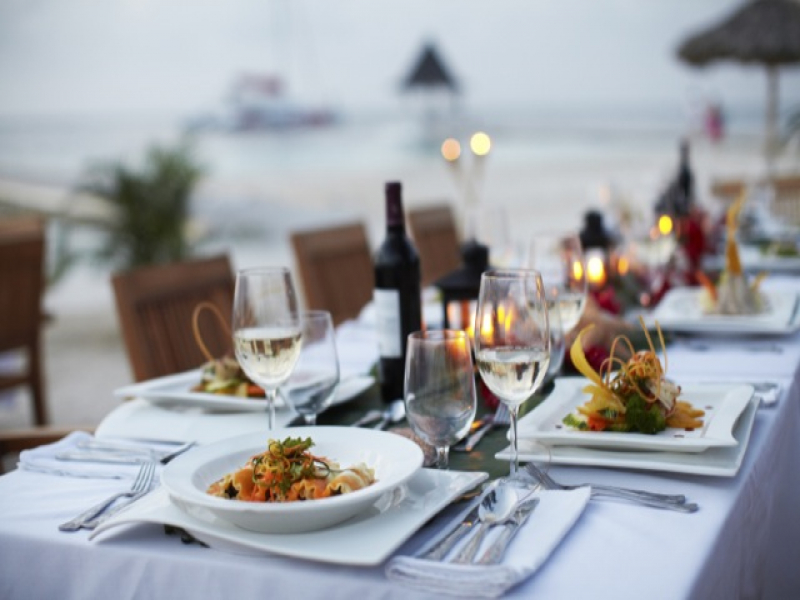 [HQ]_Dining_sunset_montego_1