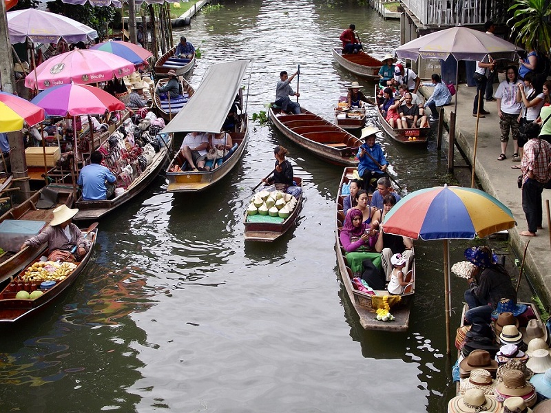 Thailand-River-Water-Food-Boats-Floating-Market-3768044